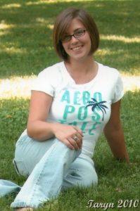 Taryn Bunch Senior pic